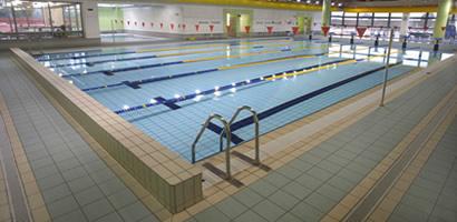 Antislip voor bassins wanden for Zwembad tegels